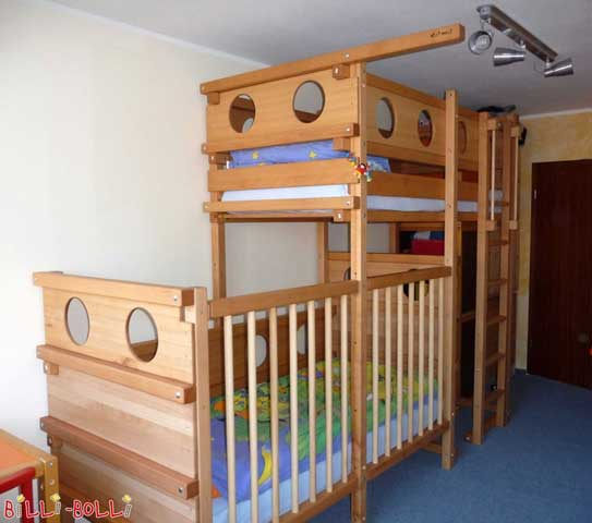 This Bunk Bed Laterally Staggered is custom-built.