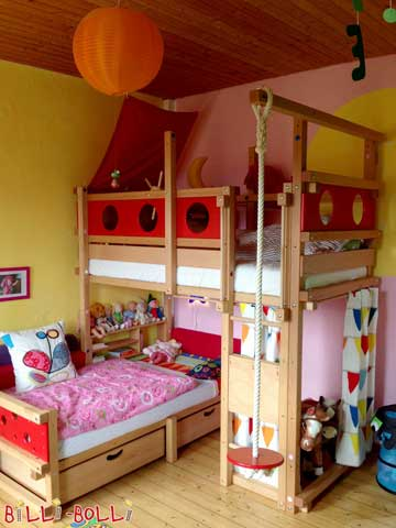 The Corner Bunk Bed is a space-saving option, ideal for a corner of a room. The swing beam was also moved to the corner to ensure that your children can swing freely.
