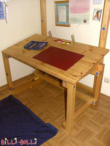 Children's Desk (image 1)