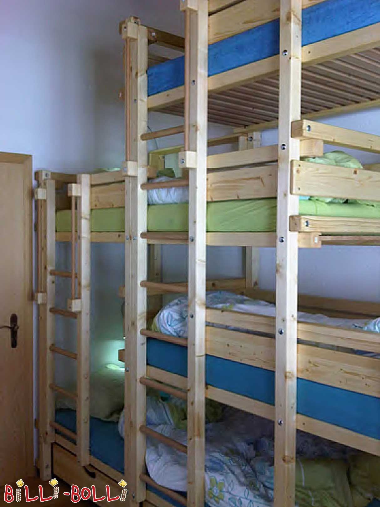 Picture of: Bunk Bed Laterally Staggered For Four Buy Online Billi Bolli