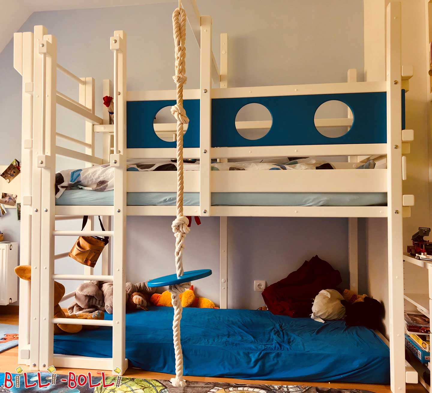Adventure high bed with growing (beech painted white/blue) (second hand loft bed)