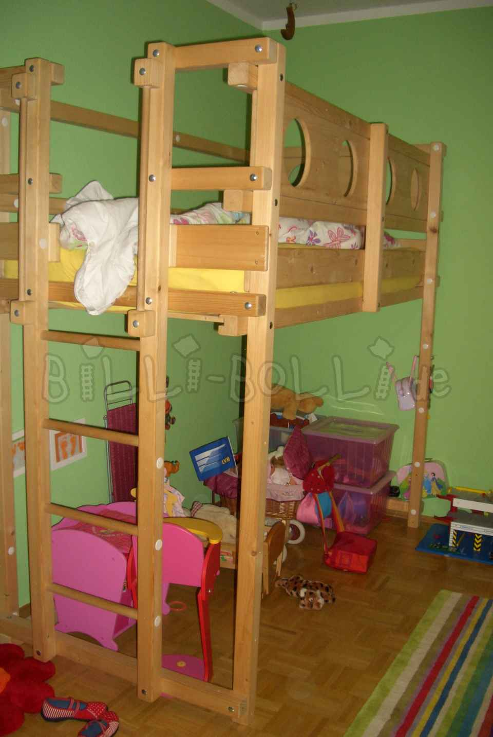 Offer 9 year old bunk bed (second hand loft bed)
