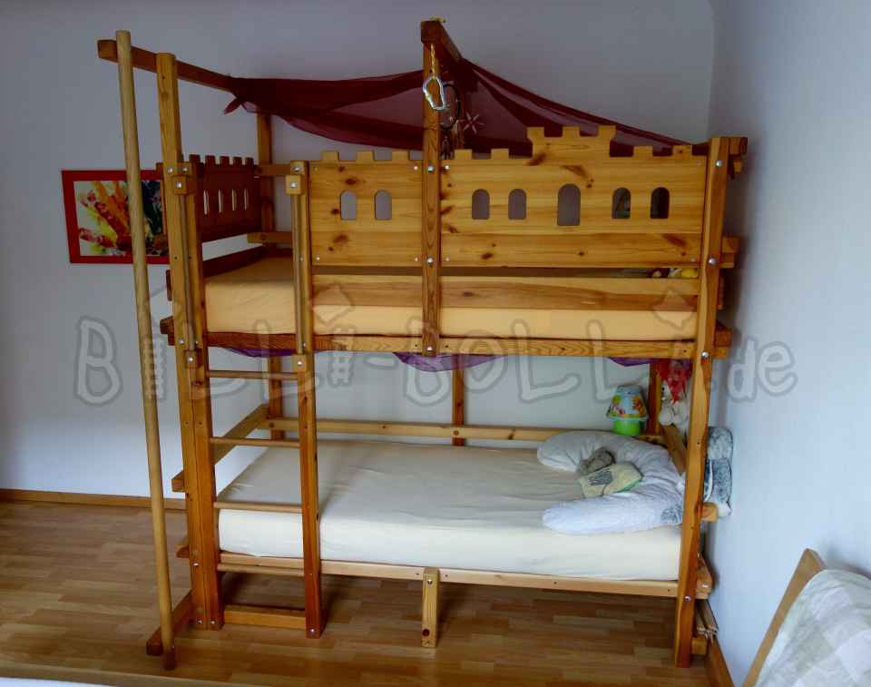Billi-Bolli-Etagenbettbett including knight's castle boards and fire brigade pole (second hand loft bed)