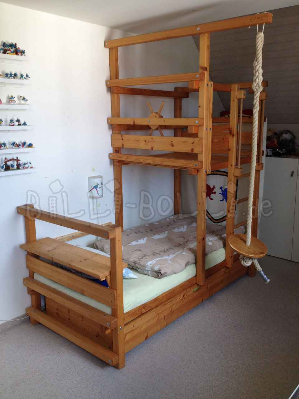 Roof slant bed with pull out bed 90 x 200 cm, spruce oil (second hand accessories)
