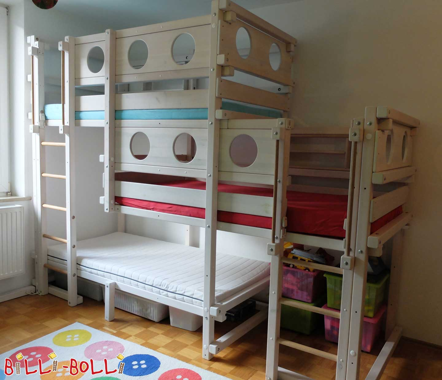 Triple bed, 90 x 200 cm, pine white glazed (second hand loft bed)