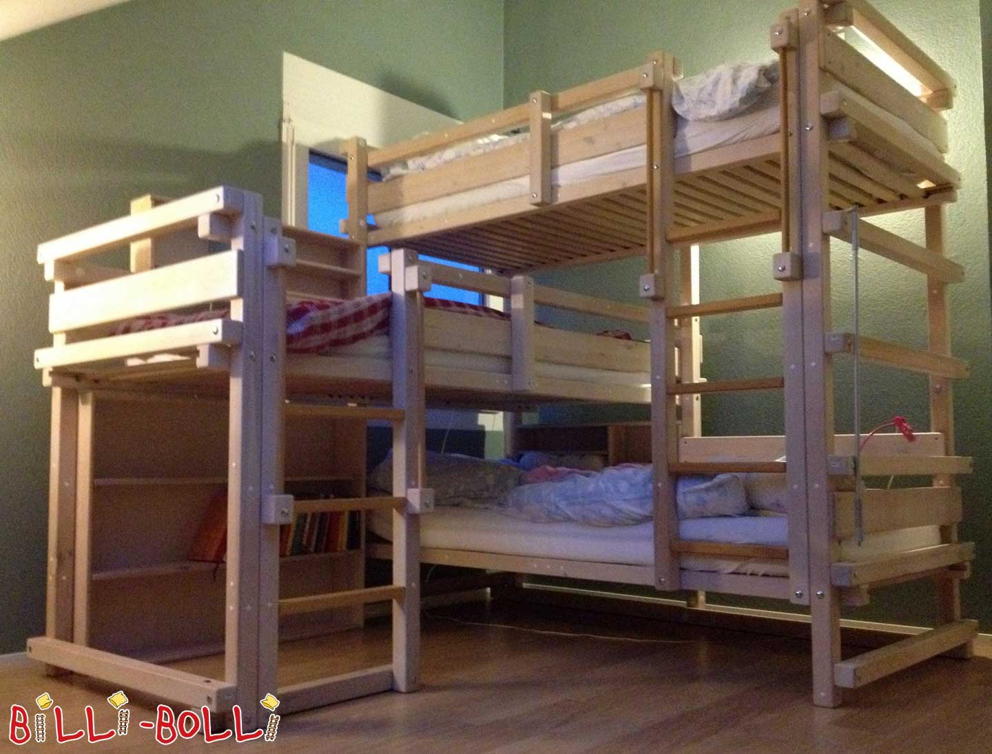 Triple bed, 90 x 200 cm, pine white glazed (second hand kids' furniture)
