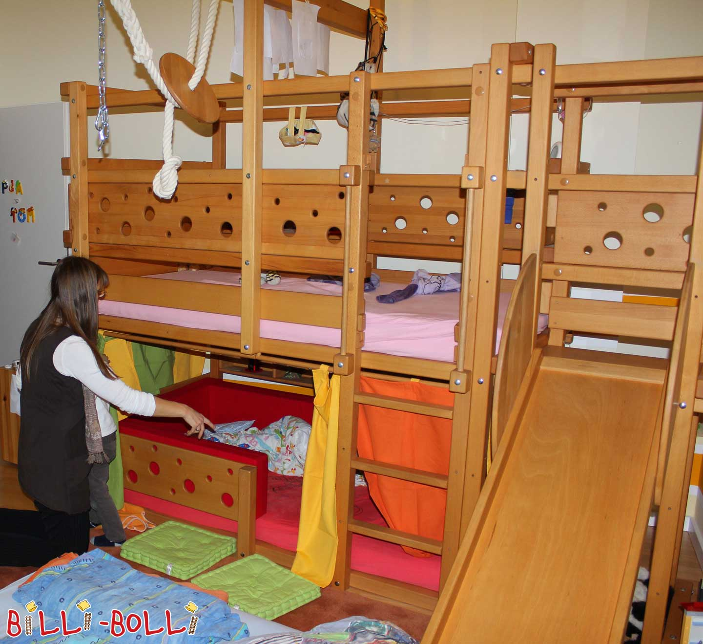 Bunk Bed (100cm x 190cm) Beech Oil with lots of Accessories (second hand bunk bed)