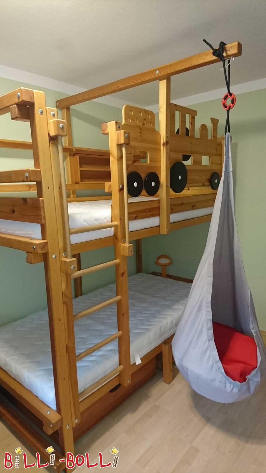 Bunk bed with railway boards (second hand bunk bed)