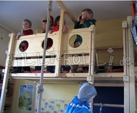 Bunk bed with play platform (second hand bunk bed)