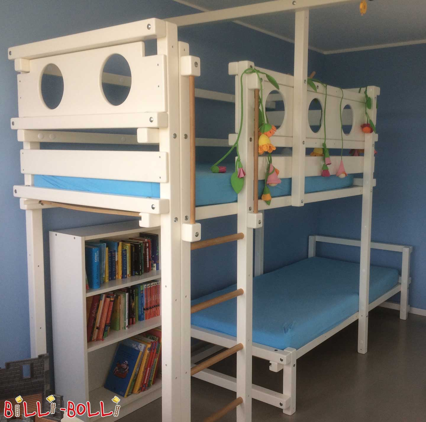 Bunk bed offset on the side - white lacquered (second hand loft bed)