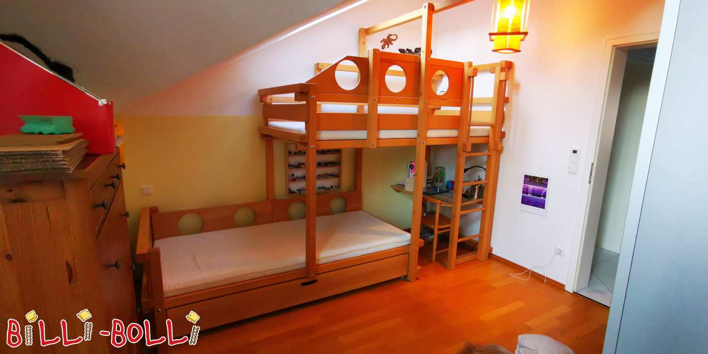 Bunk bed offset to the side, with bed box bed, as well as berth boards (second hand bunk bed)