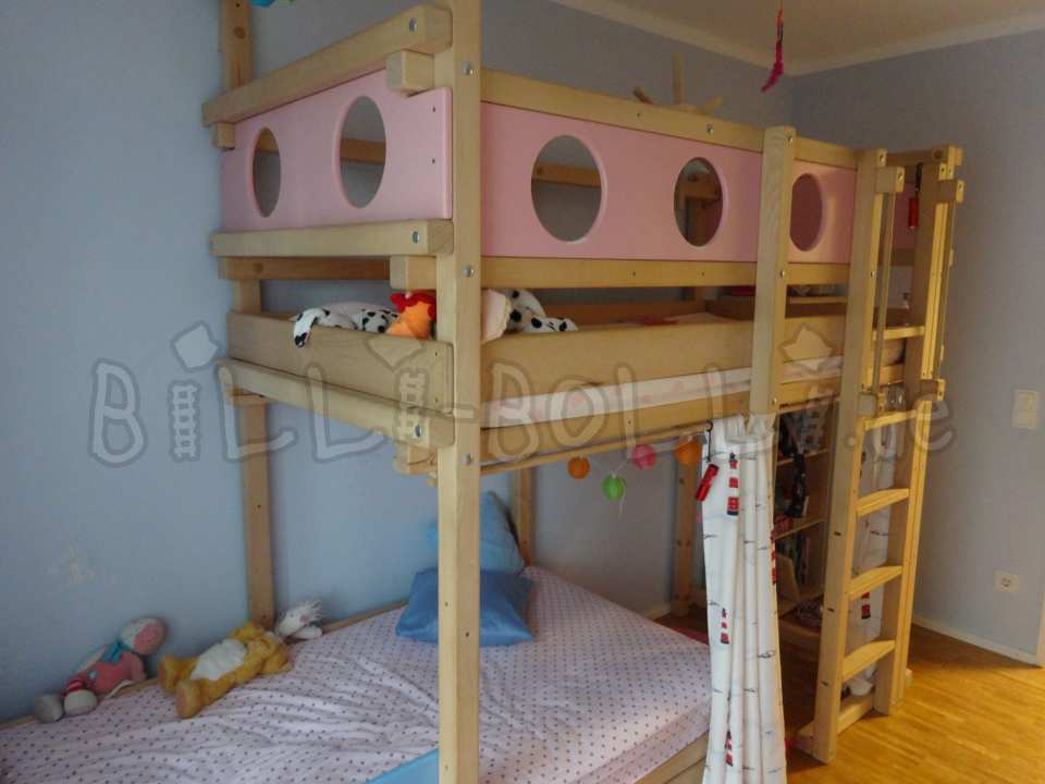 Bunk bed side-offset with kojenboards in pink and pastel blue (second hand bunk bed)