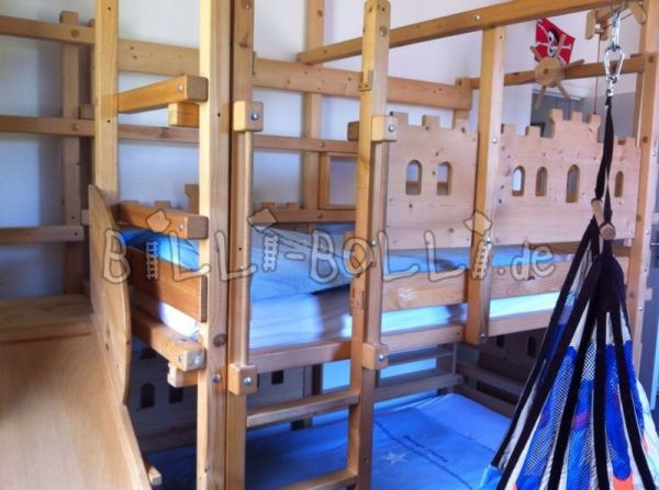 Bunk bed (second hand loft bed)