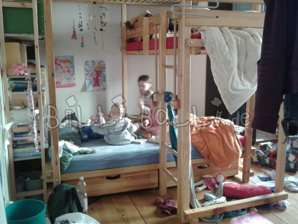 Extra-high three-bed over corner (second hand bunk bed)