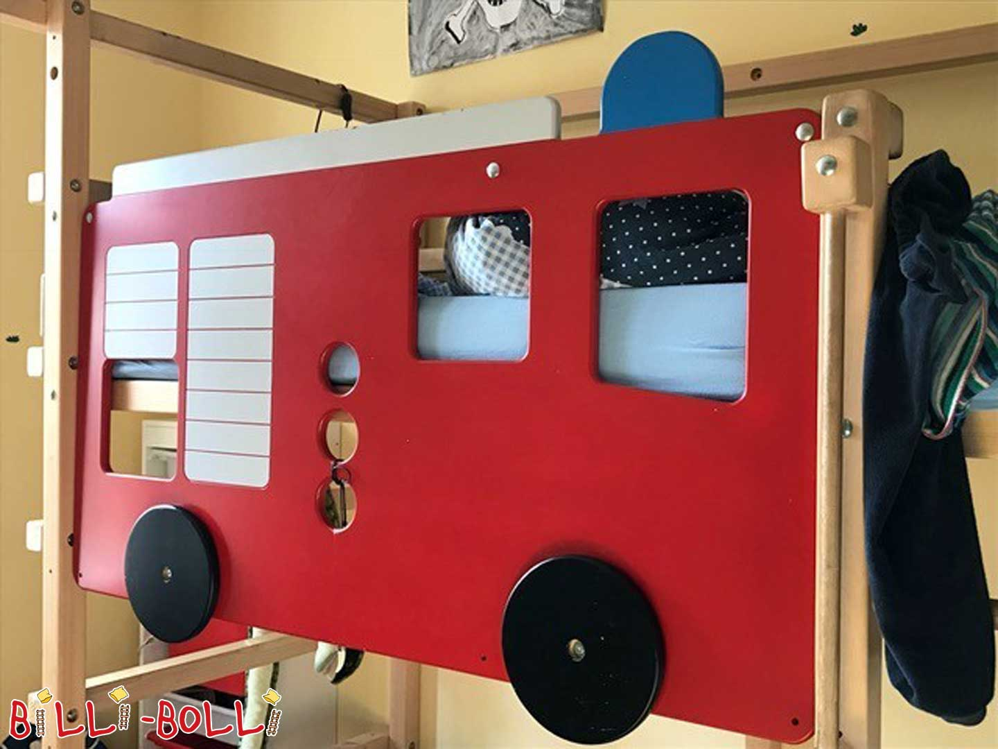 Fire truck (second hand kids' furniture)
