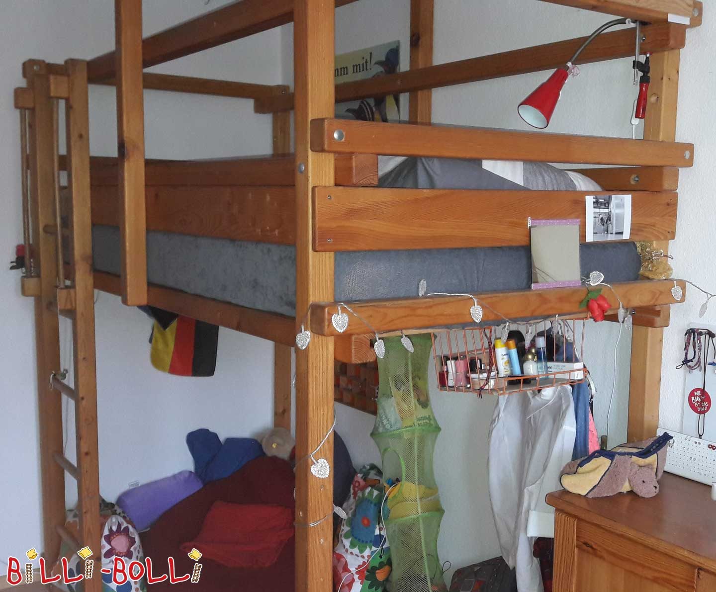well maintained high bed (second hand loft bed)