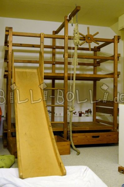Gullibo bunk bed with slide (second hand loft bed)
