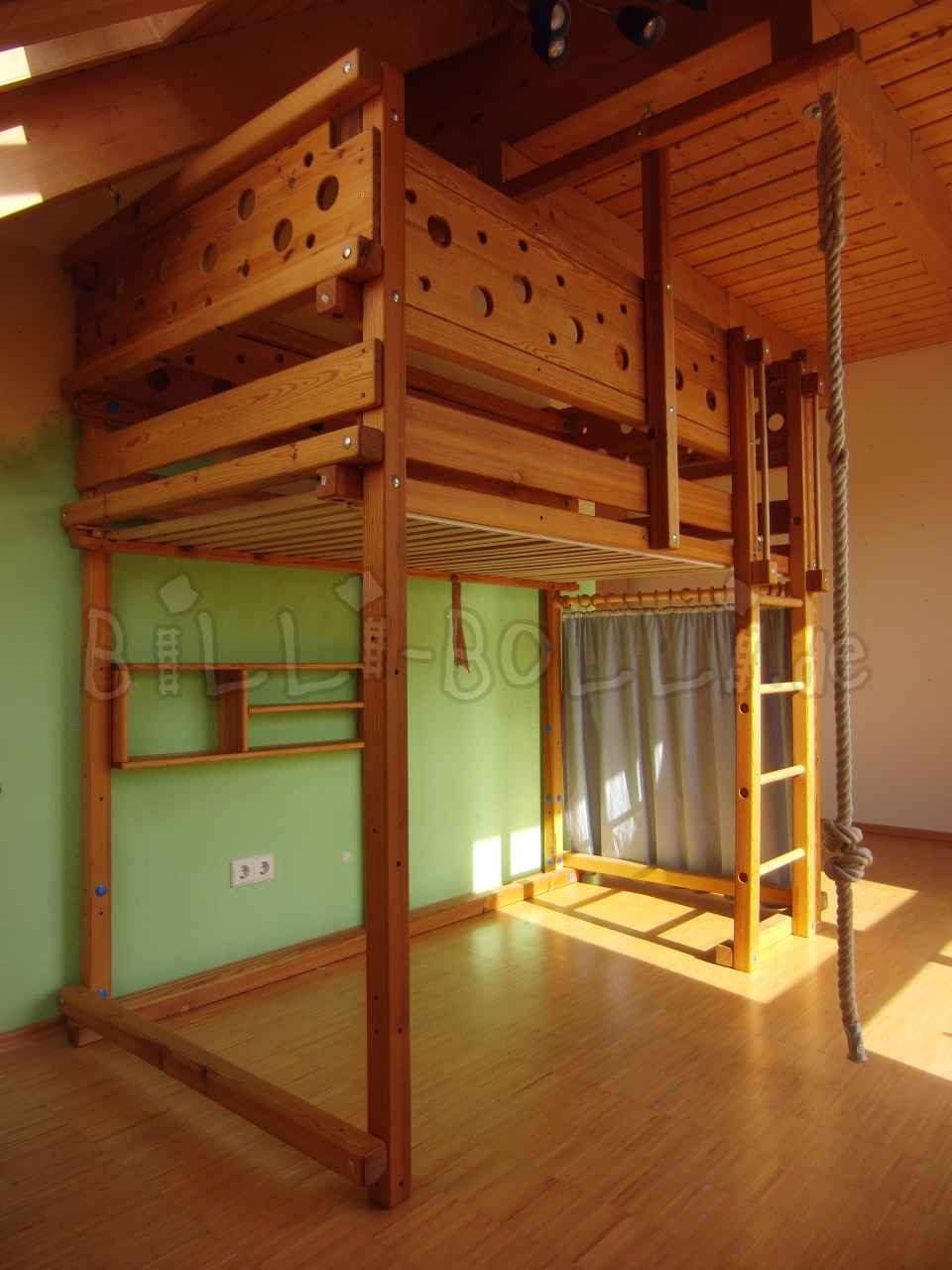 High bed 100/200, pine honey coloured oiled (second hand loft bed)