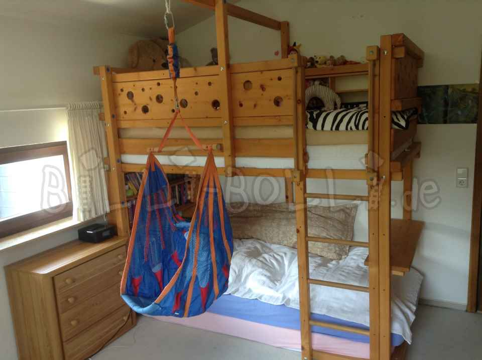 HIGH bed, 100 x 200, growing with (Kids furniture second hand)