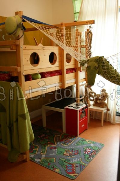 High bed in spruce (second hand loft bed)