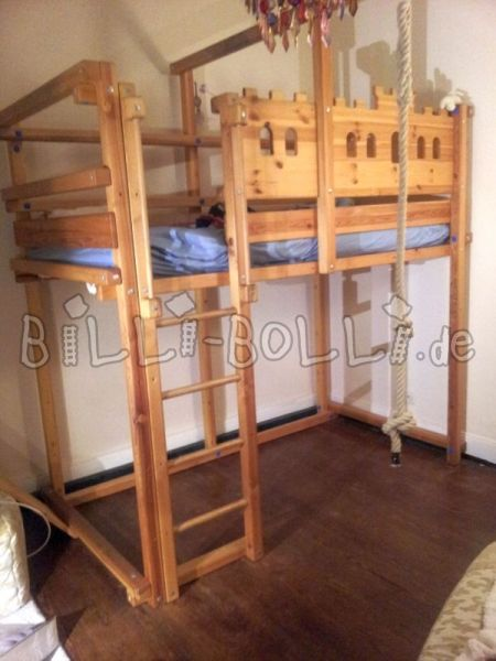 High bed in pine (second hand loft bed)
