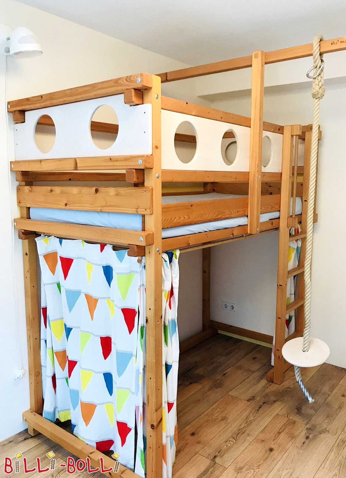 High bed pine (second hand loft bed)