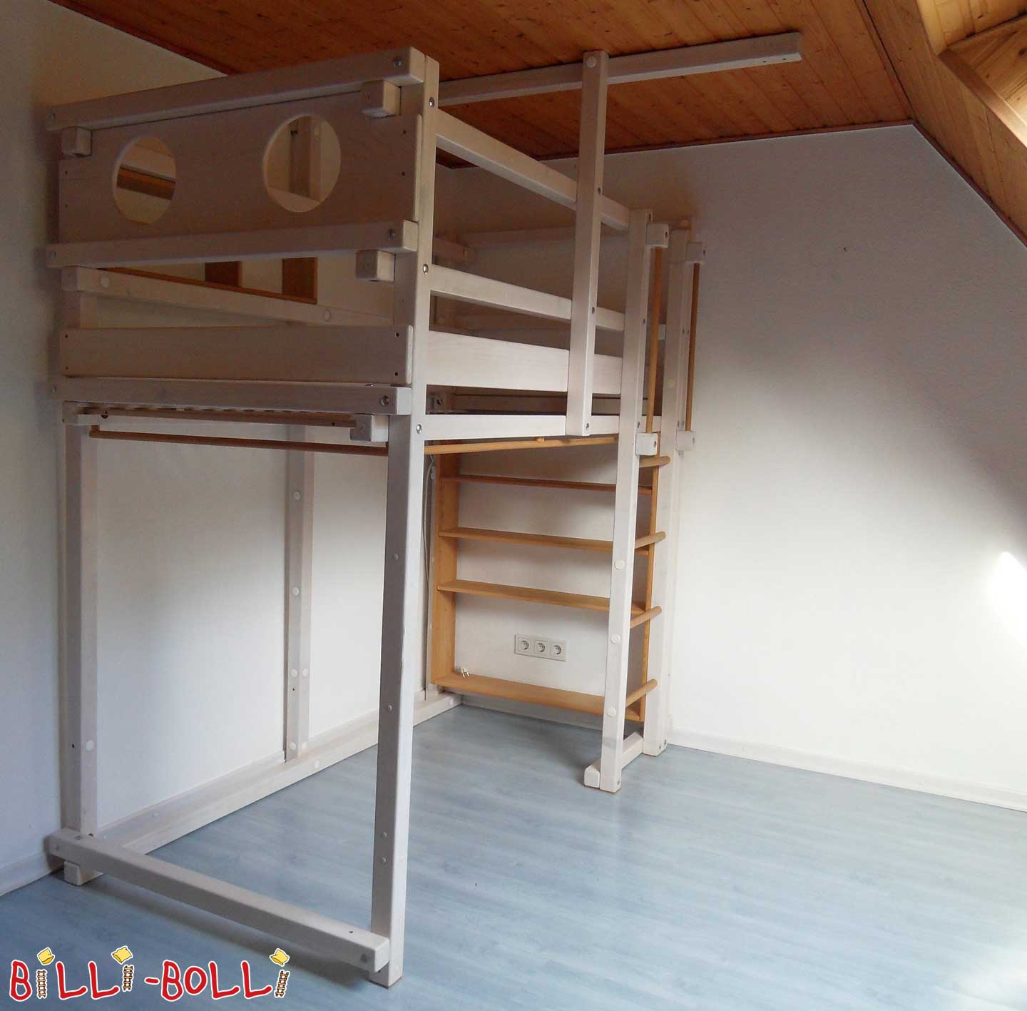 Growing upbed, 90 x 190, spruce white glazed (second hand loft bed)