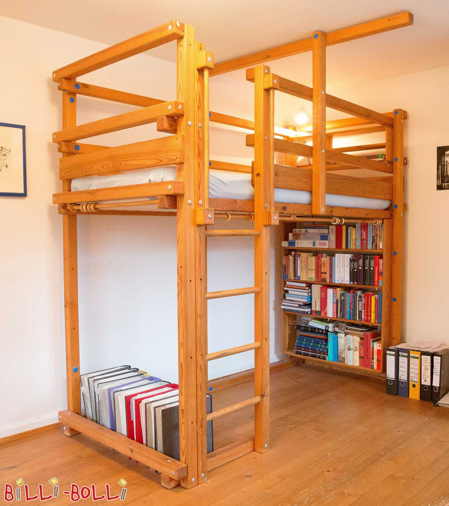 Raised, 90 x 200 cm, pine honey-coloured oiled (second hand loft bed)