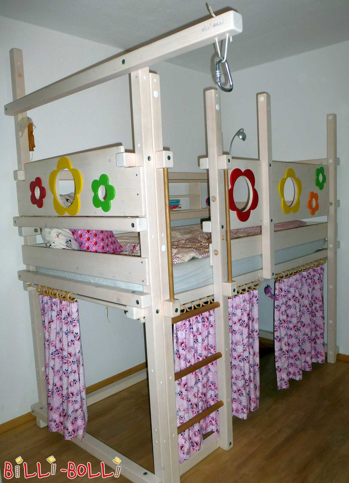 Growing with the bunk bed, white glazed with flower boards spruce (second hand loft bed)