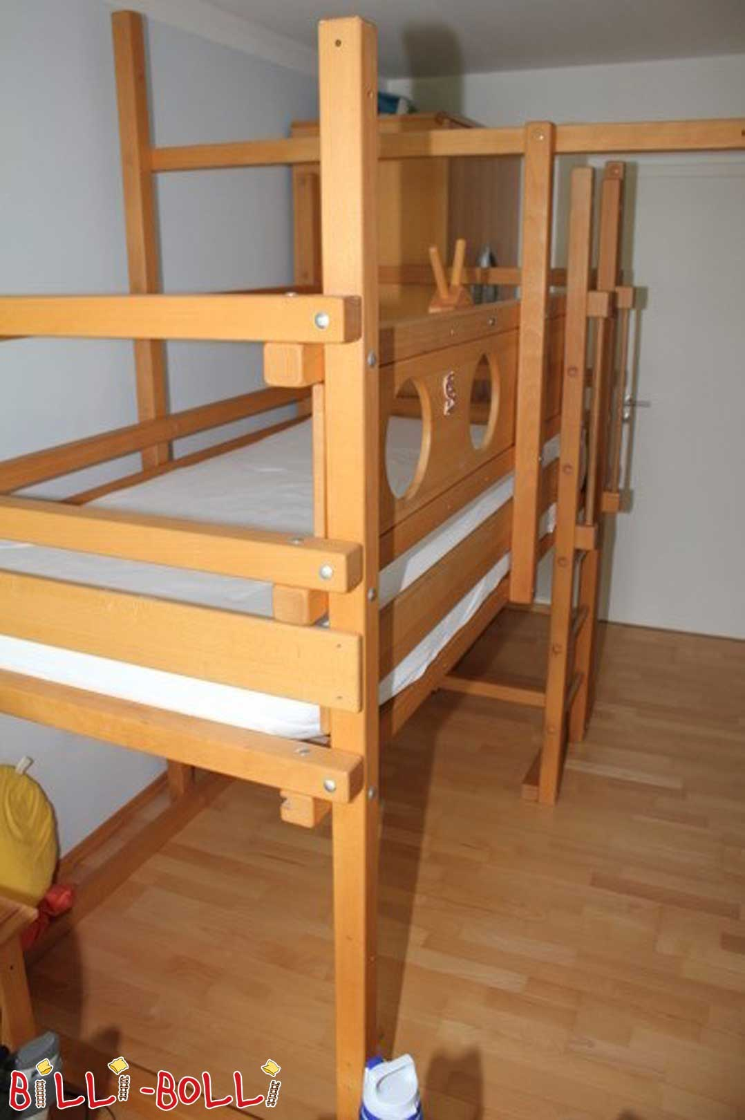 Growing up bed (second hand loft bed)