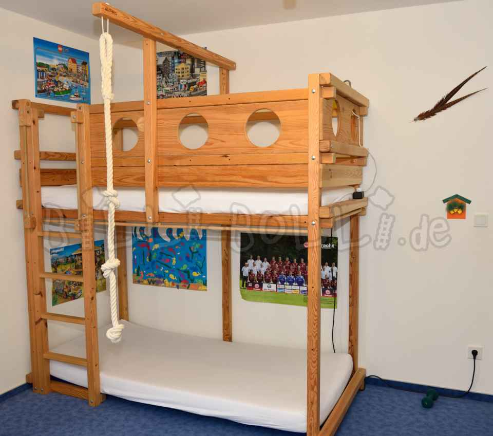 Growing up bed (90/200) (second hand loft bed)
