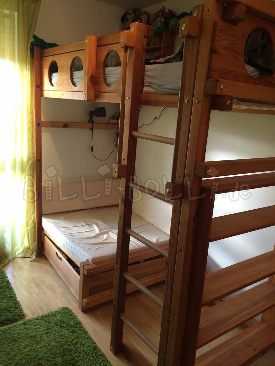 Collumsing high bed 90 x 200 cm, pine honey coloured oiled (second hand loft bed)