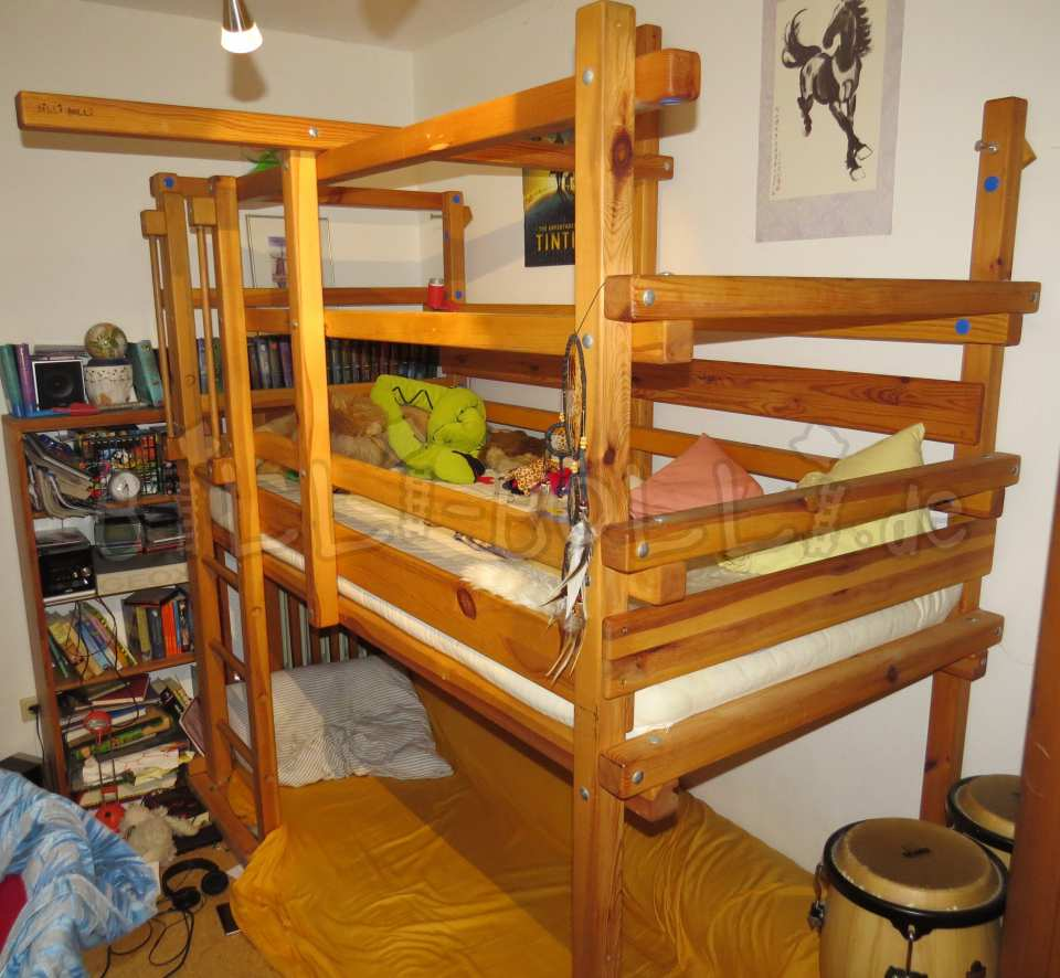 Collumbering high bed, 90 x 200 cm, pine honey coloured oiled (second hand loft bed)