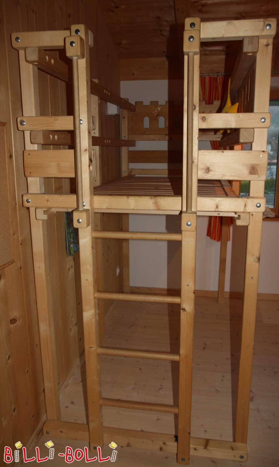 Growing loft bed, entrance narrow side, with railway boards (second hand loft bed)