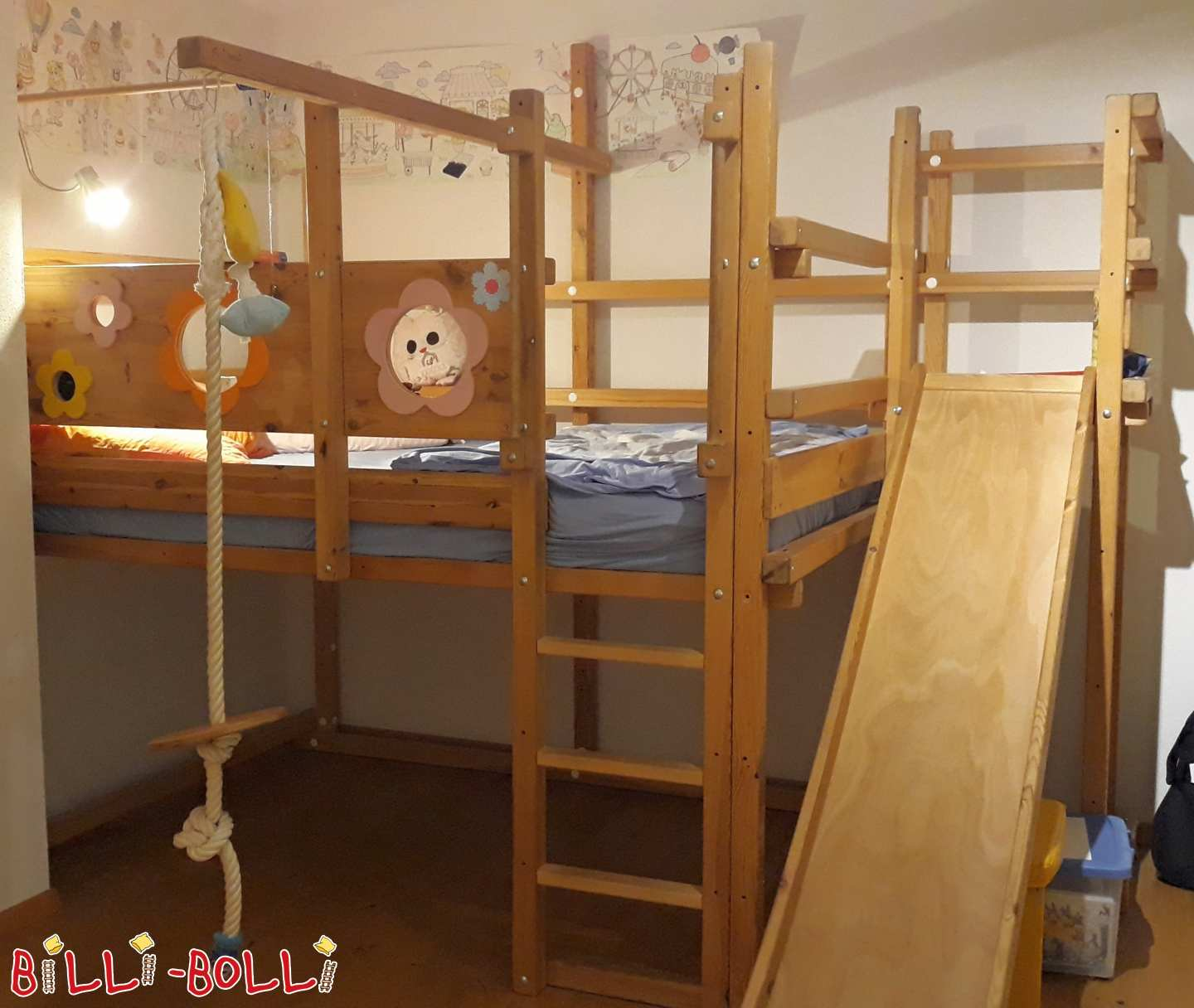 Growing bunk bed in 140 x 200 cm made of pine incl. slide tower (second hand loft bed)