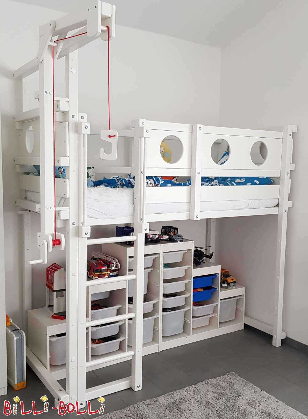 Growing bunk bed painted in white (second hand loft bed)
