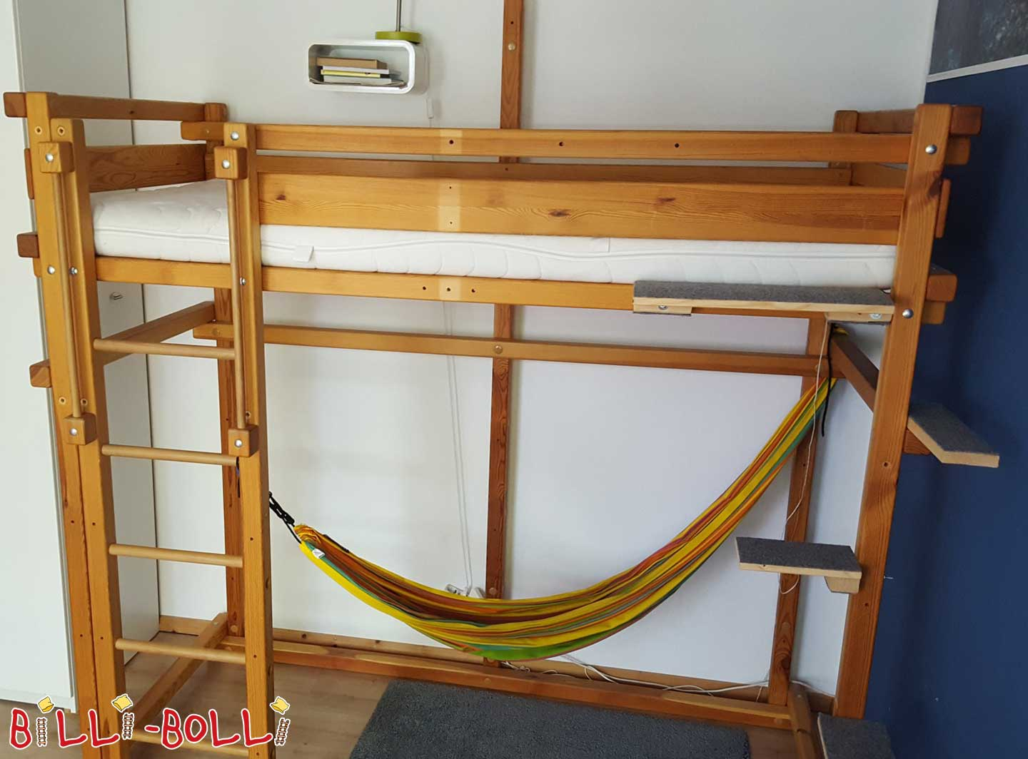 Co-growing high bed with climbing rope and rocking plate (second hand loft bed)