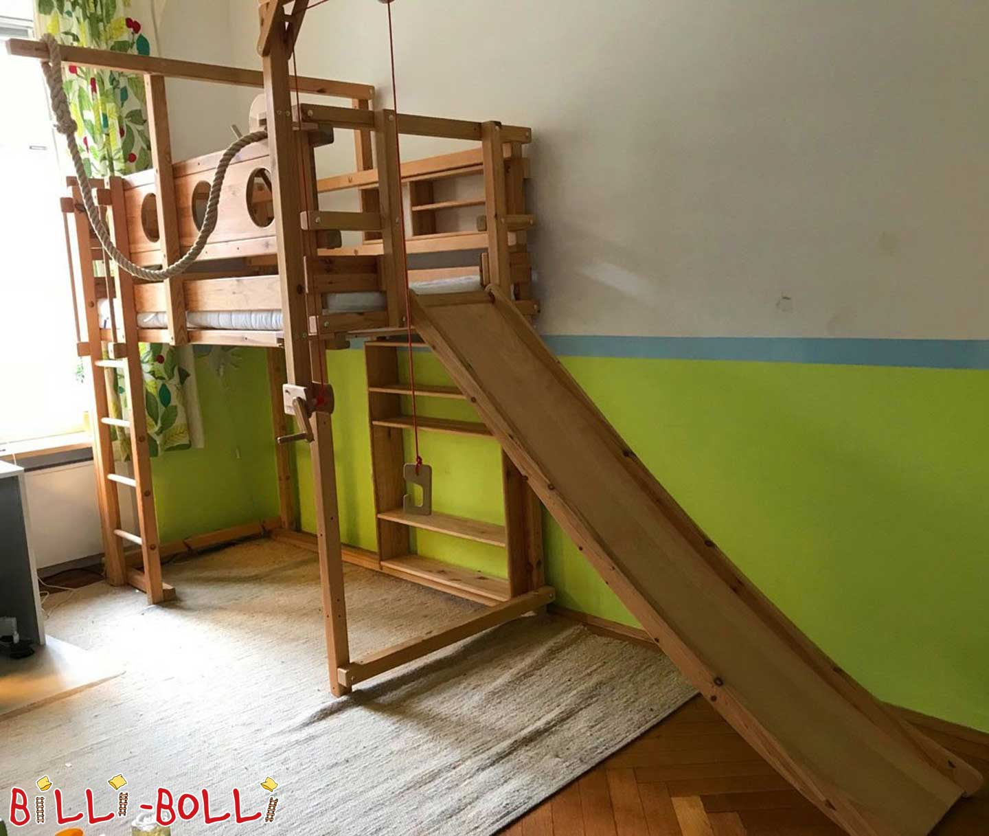 Sparse Loft bed with slide and lots of accessories (second hand loft bed)