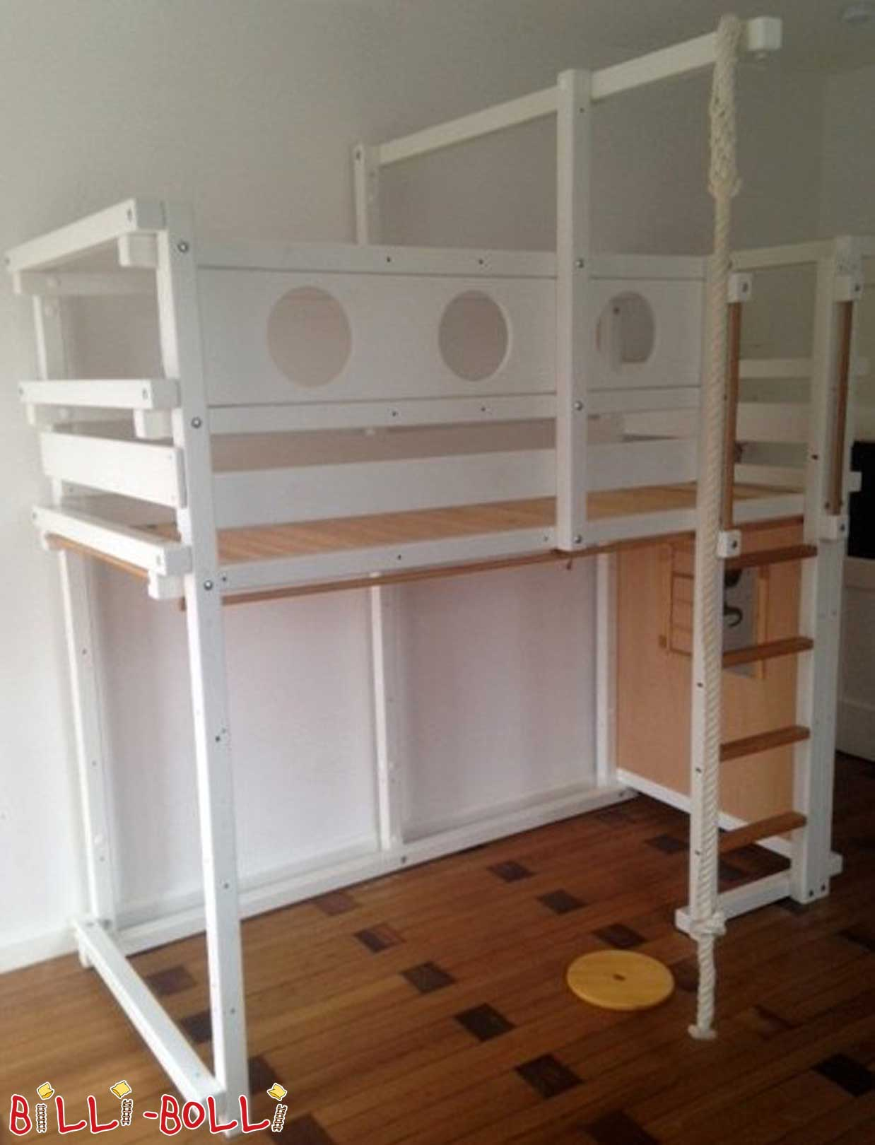 Co-growing high bed painted white (second hand loft bed)
