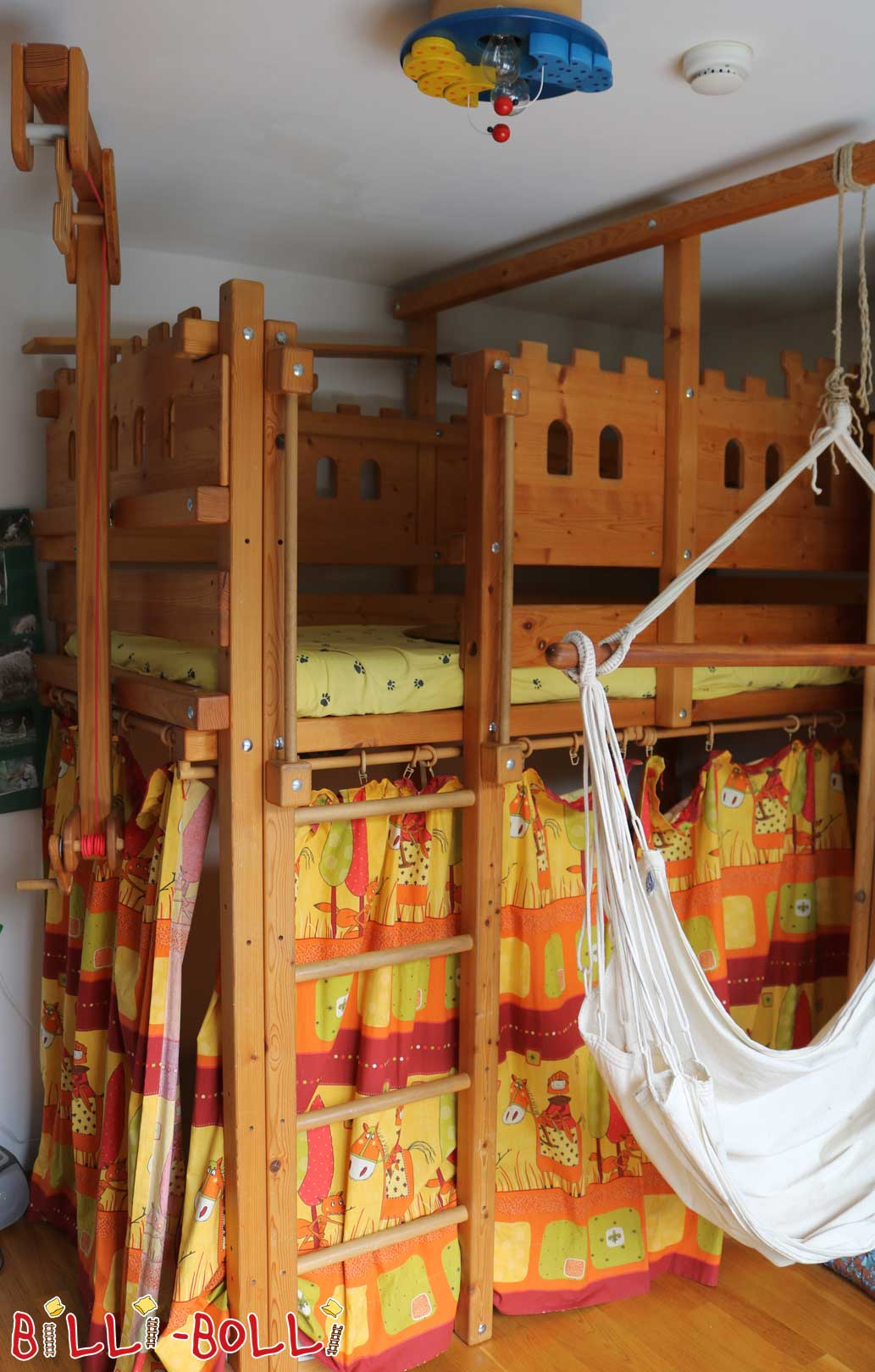 Sparse Castle bed (second hand loft bed)