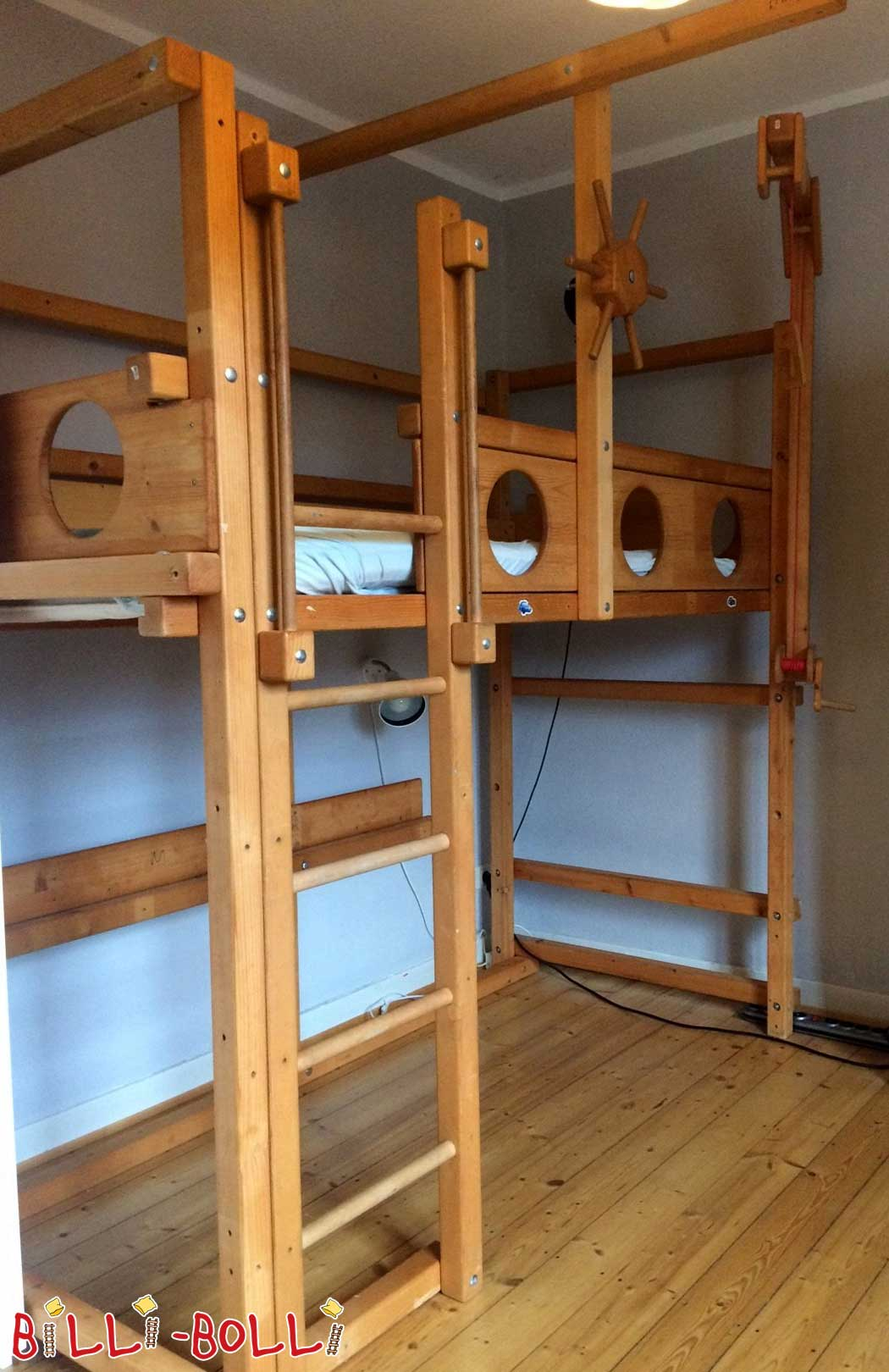 Pirate loft bed growing 90 x 200 cm, spruce honey-colored oiled (second hand loft bed)