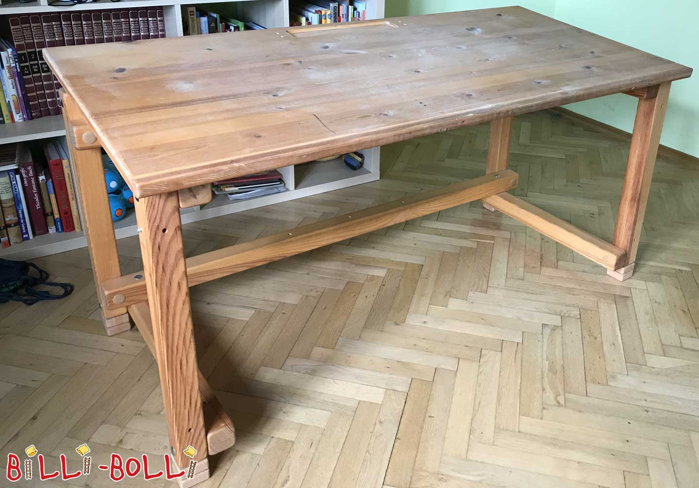 Desk 65 x 143 cm (second hand kids' furniture)
