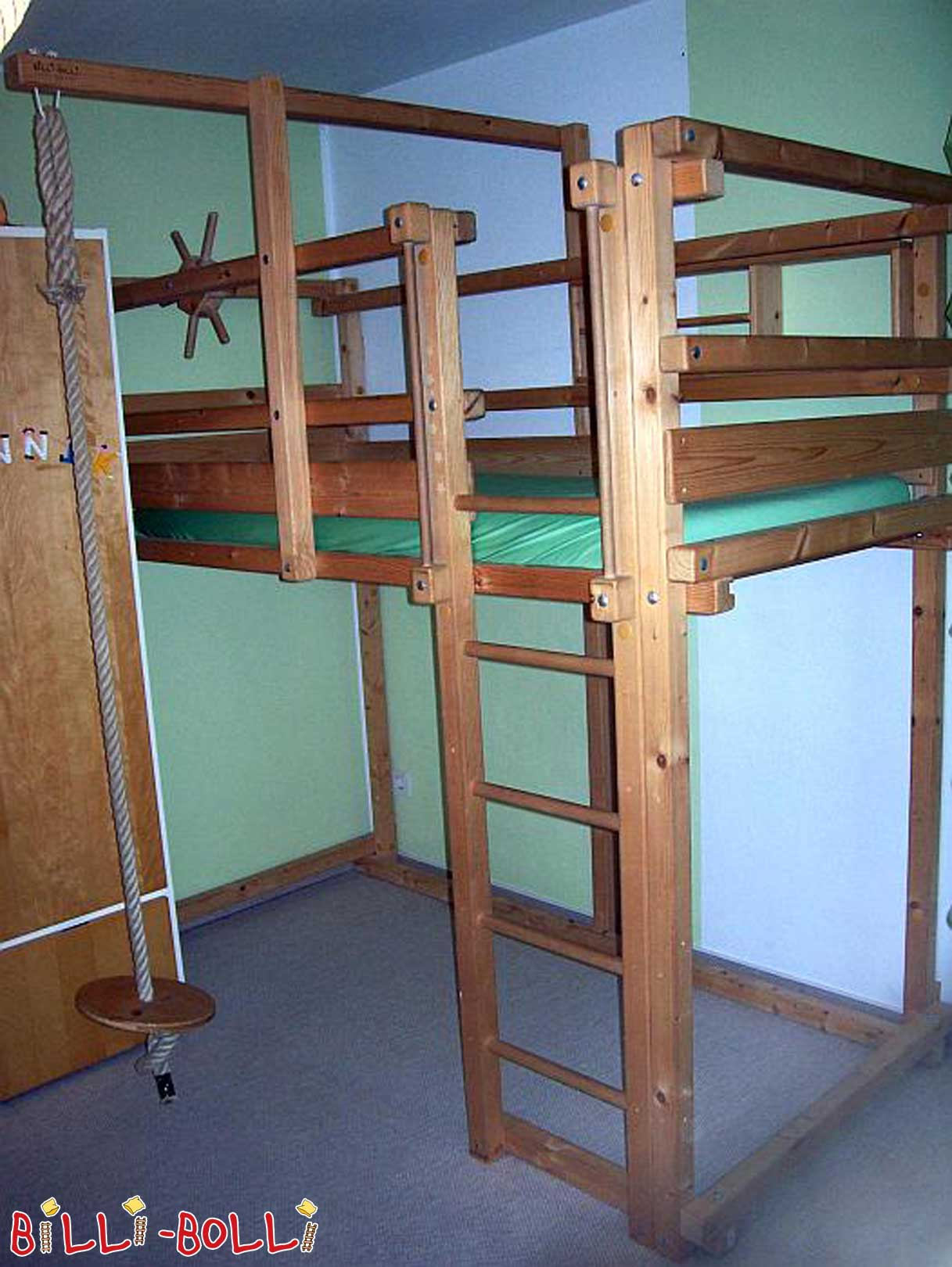 growing high bed (second hand loft bed)